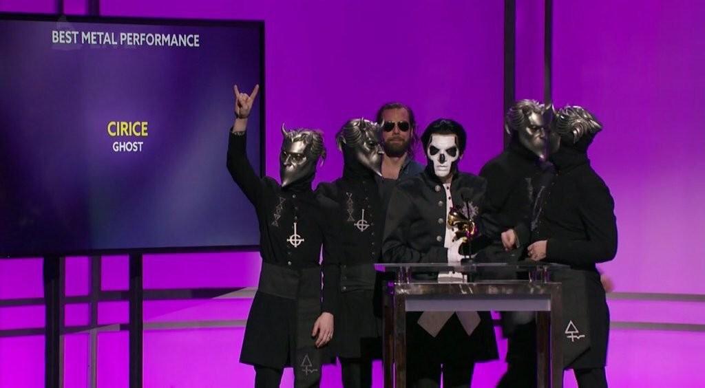 Ghost-Grammy-acceptance-2016[1]