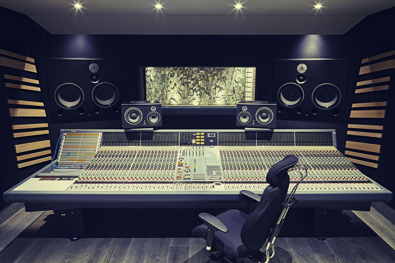 cropped-studio1920